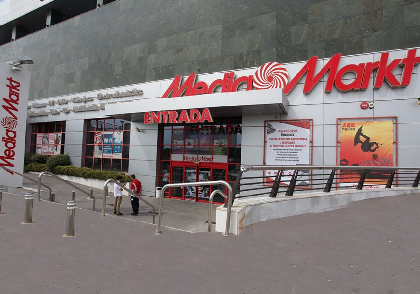 media markt matar parc centre comercial. Black Bedroom Furniture Sets. Home Design Ideas